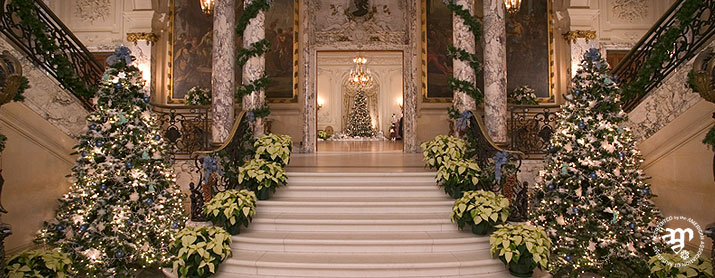 christmas-elms-staircase